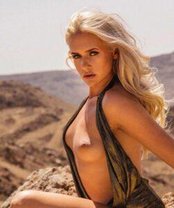 Sarah Knappik zeigt im Playboy ihre kleinen Titten